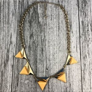 Jewelry - 🔴LAST PRICE🔴Triangle Statement Necklace
